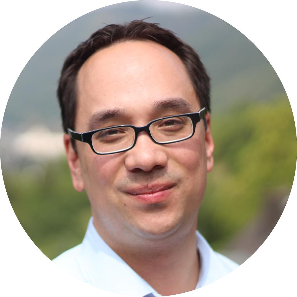 Portraitfoto von Prof. Dr. Nick Lin-Hi