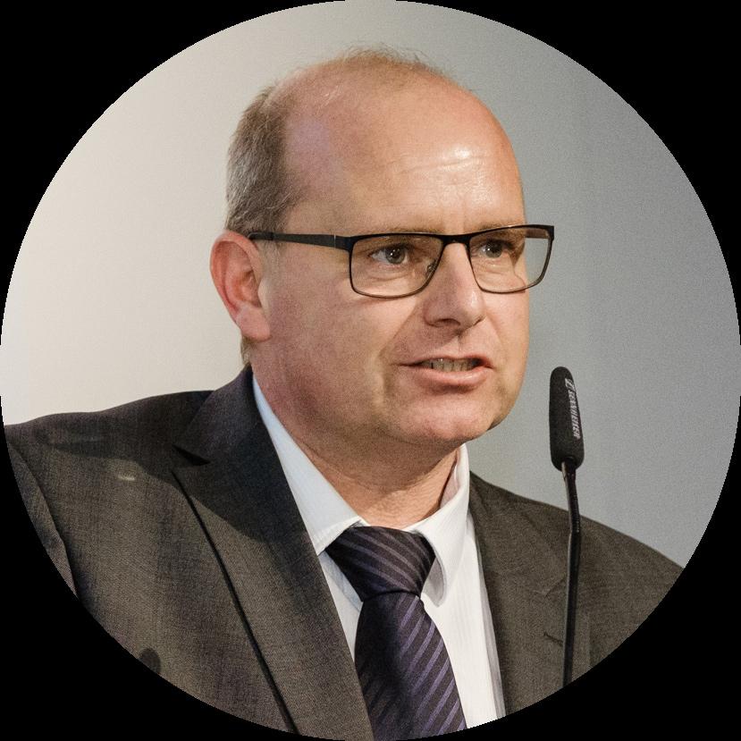 Portraitfoto von Ulrich Löhr